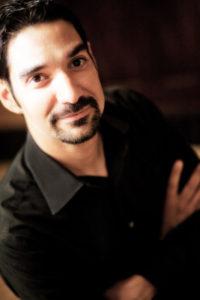 Steve Olivares, Vox Bass